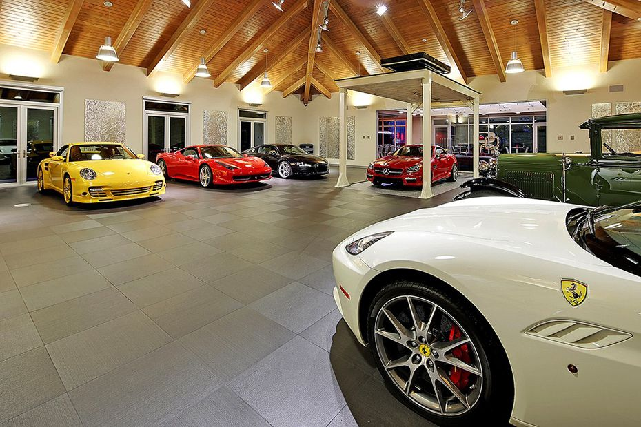 Luxury House And Car