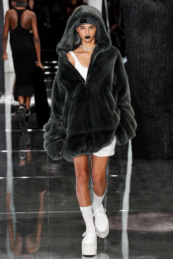 buy popular 7e8ea 64c11 Rihanna's
