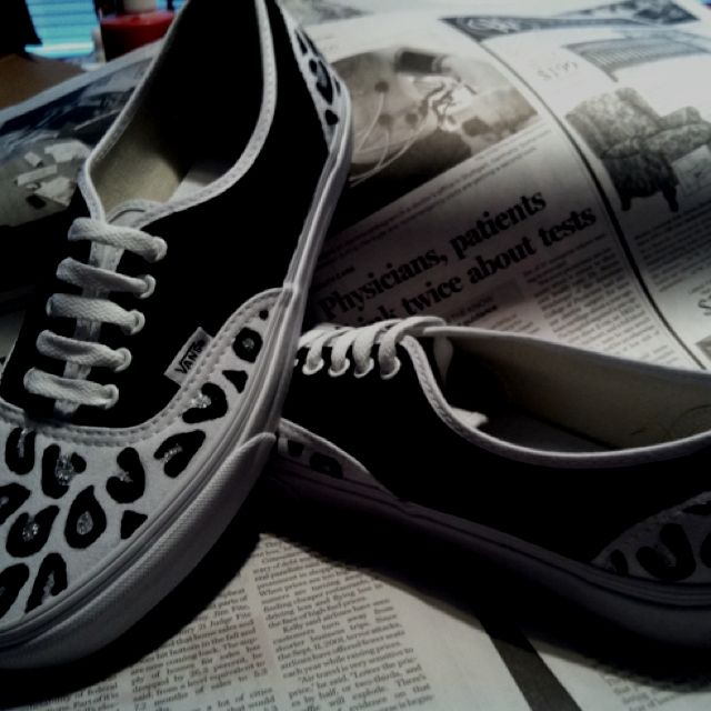 56340a12ea7e24 Hand painted vans by me(