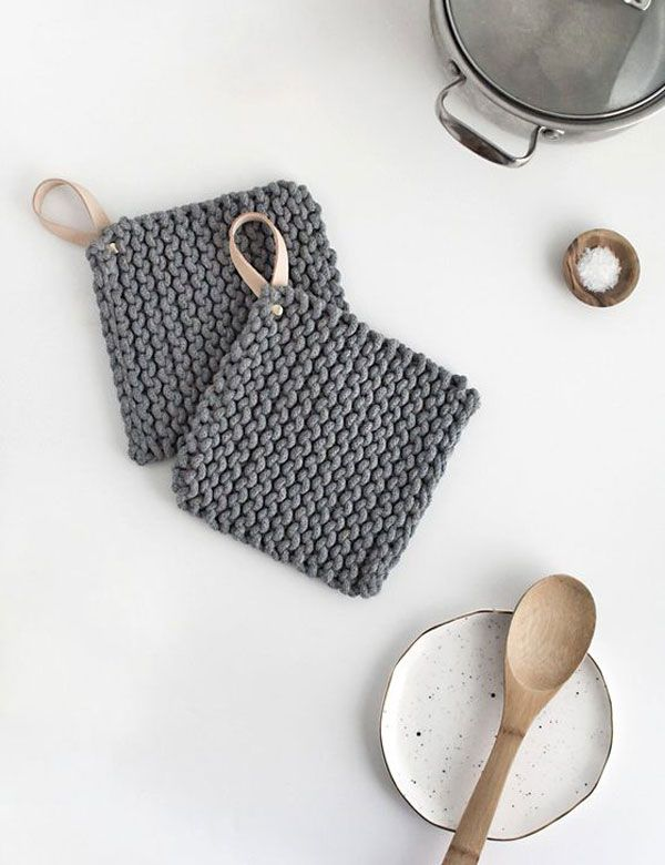 10 Lovely Knitted Home Accessories
