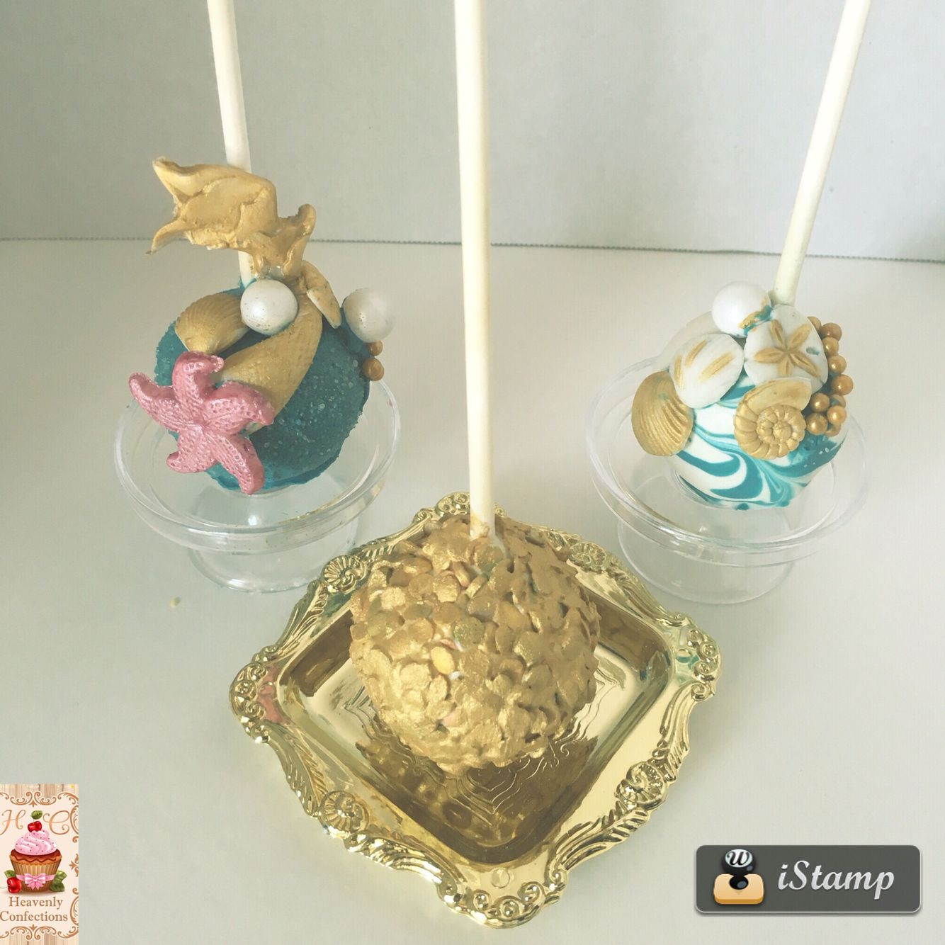 Under the sea theme cake pops.