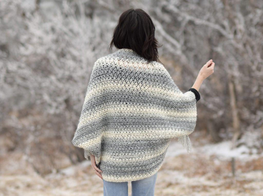 Light Frost Easy Blanket Sweater Crochet Pattern | Manta suéter ...
