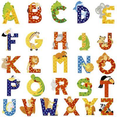 les lettres de l 39 alphabet en bois pour personnaliser la chambre de votre enfant avec son pr nom. Black Bedroom Furniture Sets. Home Design Ideas