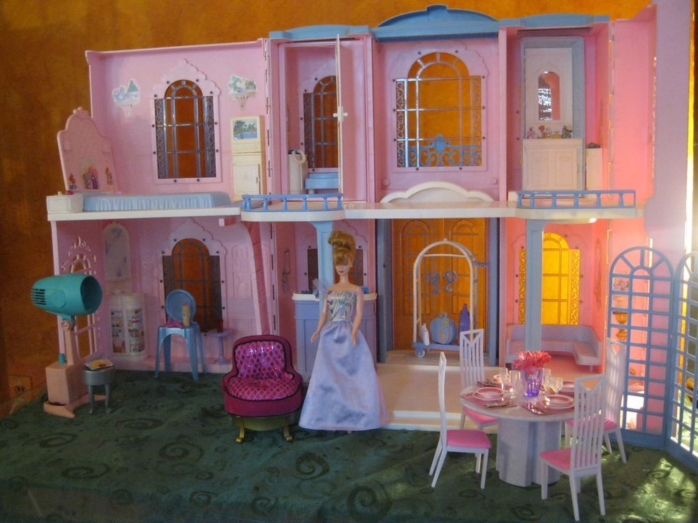 Barbie grand hotel doll house sound furniture working for Hotel barbie