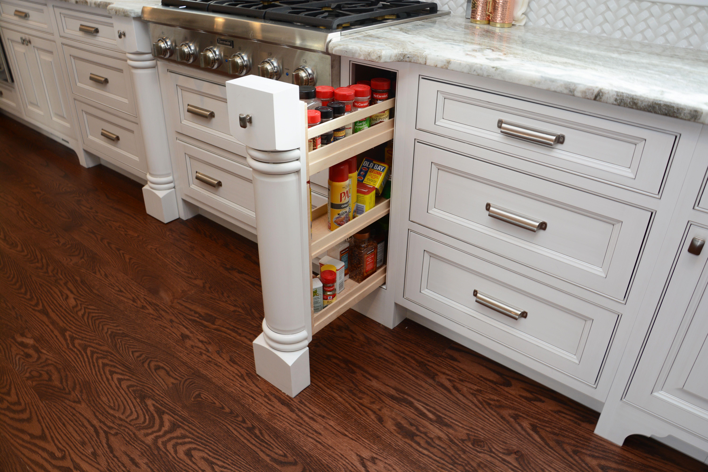 Designer: Joe Inscoe U2013 Cabinet Discounters Inc. (Annapolis) Specie: Maple  Finish