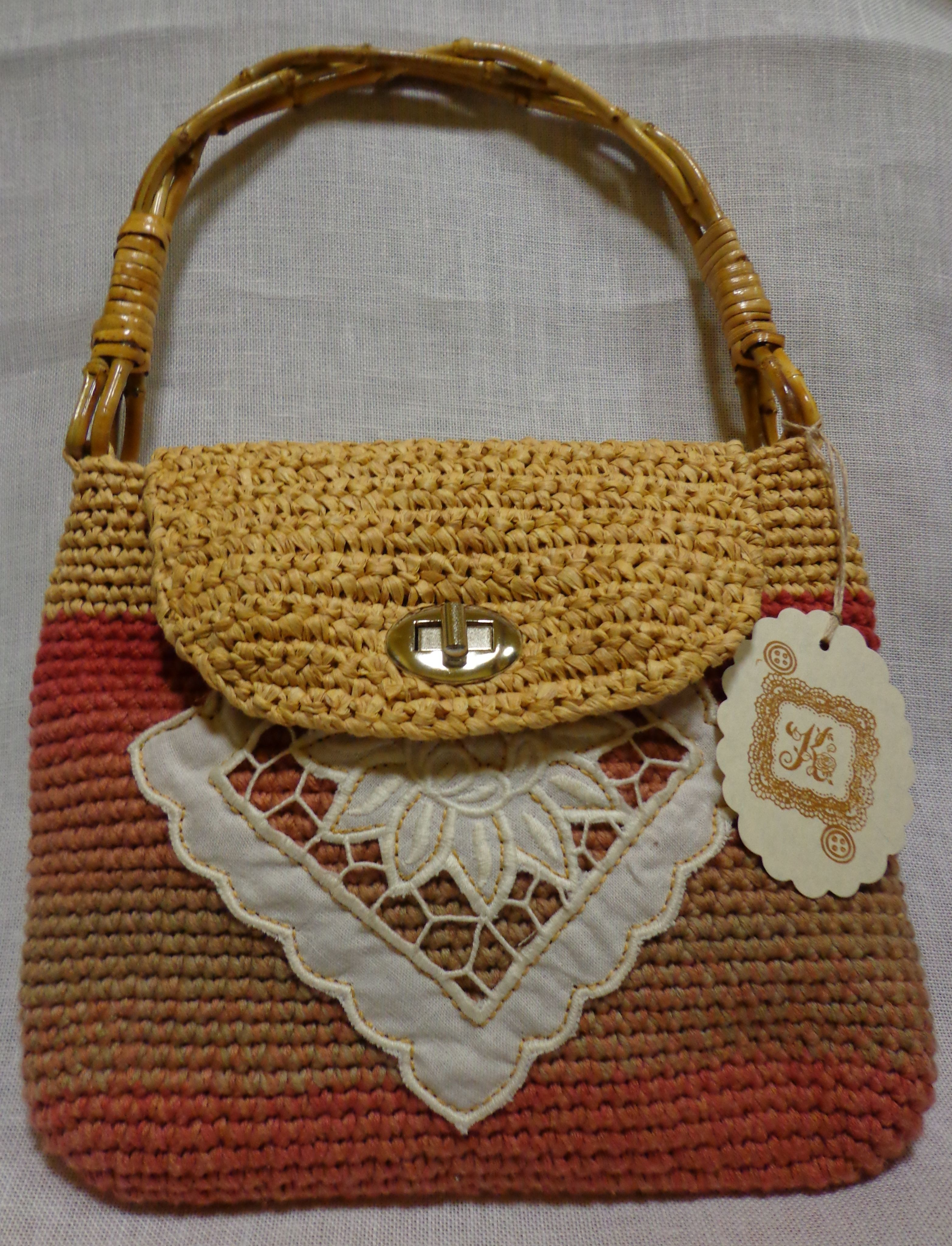 bolso de ganchillo con aplicacin de algodny asas de bamb