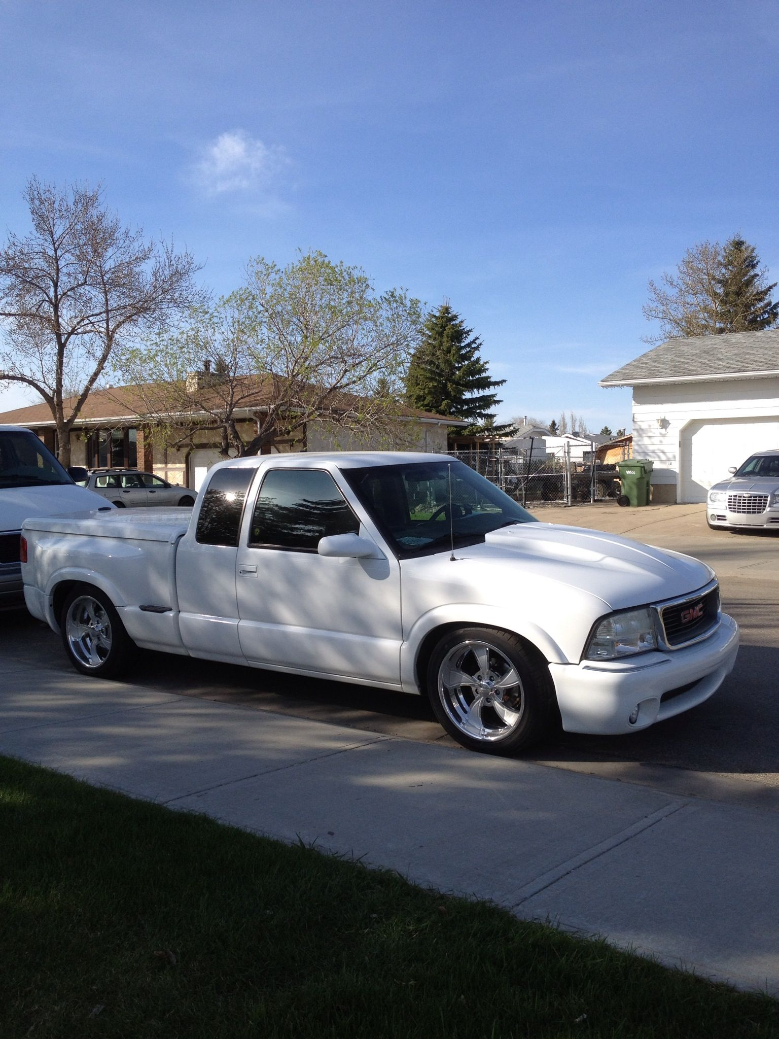 small resolution of gmc sonoma stepside lowered 2003