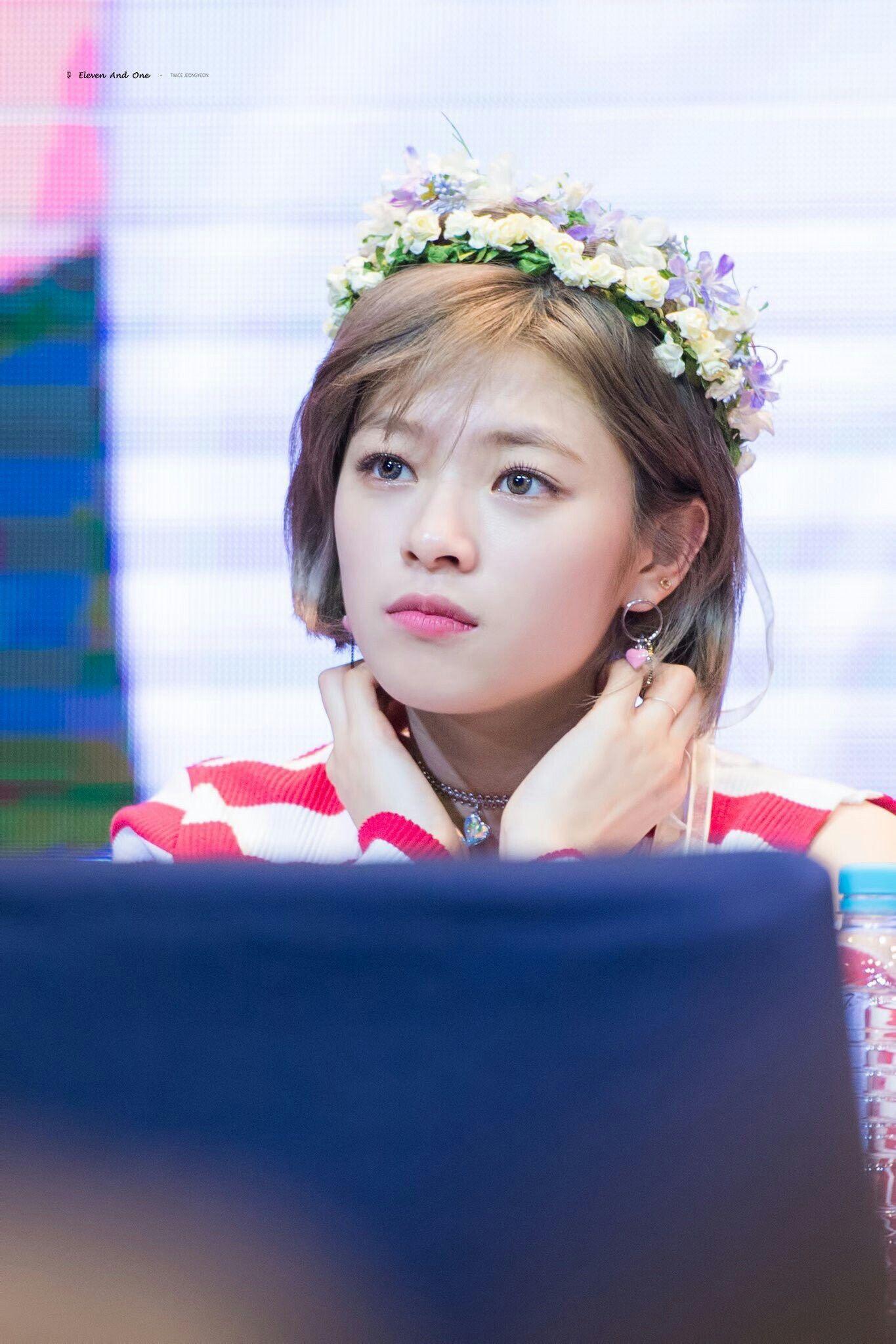 Pin de Seo Youngji em Yoo Jeongyeon