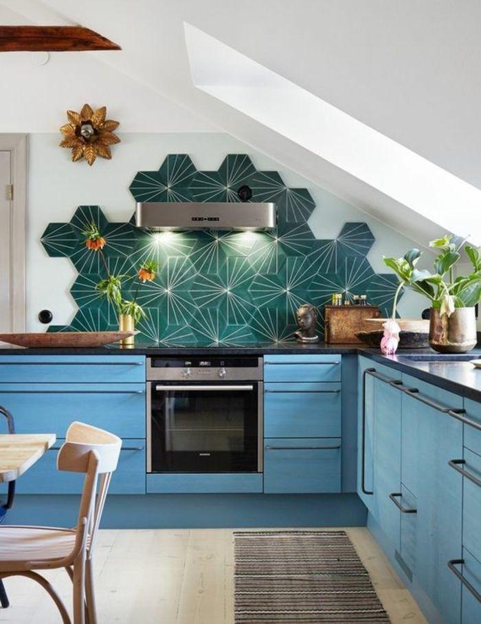 interessante küchengestaltung mit kreativer blauer