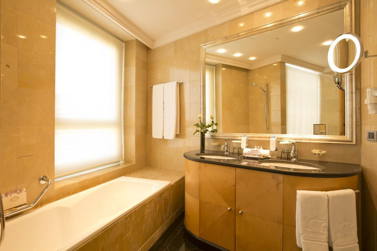phoenicia residence beirut lebanon bookingcom - Bathroom Cabinets Beirut Lebanon