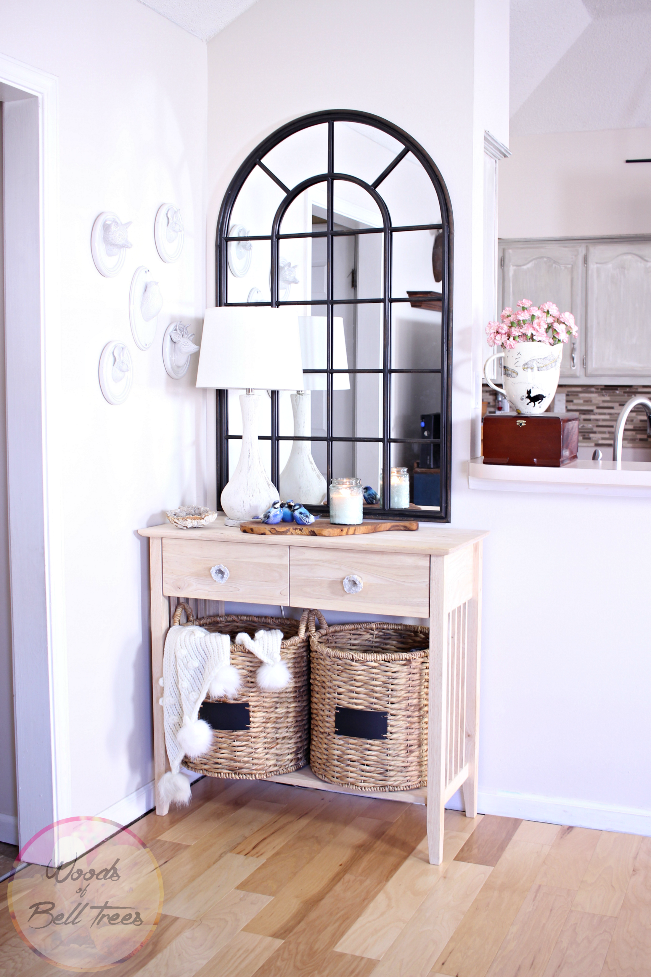 The are Here Living room nook, Diy entryway