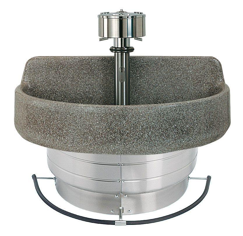 le lavabo rond dans les toilettes de l 39 cole avec la p dale sur laquelle il fallait appuyer pour. Black Bedroom Furniture Sets. Home Design Ideas