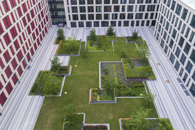 Justizzentrum波鸿 Hutterreimann景观建筑 In 2020 Landschaftsarchitektur Architektur Innenhof