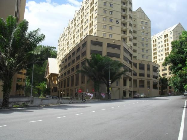 For Sale: Springville 3R2B LH 728sqft , bumi lot Location: Ampang, Selangor Type: Apartment/Flat Price: RM290000 Size: 728 sqft  kenzi 010-2600939