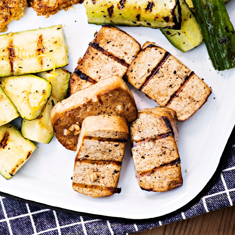Marinoitu tofu   K-ruoka #grillaus #kasvisresepti