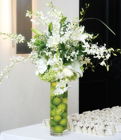 Japanese flower wedding arranging tomobi floral art for Contemporary table arrangements