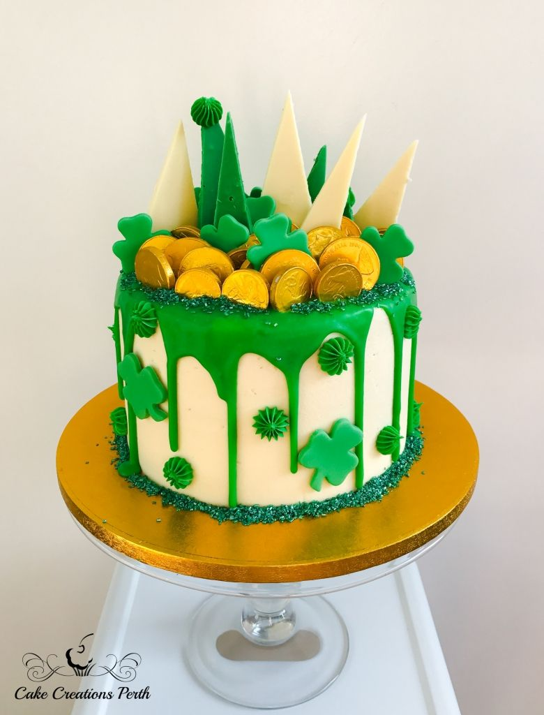 St-Patricks-Day-Birthday-Cake.jpg 780×1,024 pixels | St patricks day cakes, Irish birthday cake, St patricks day cupcake