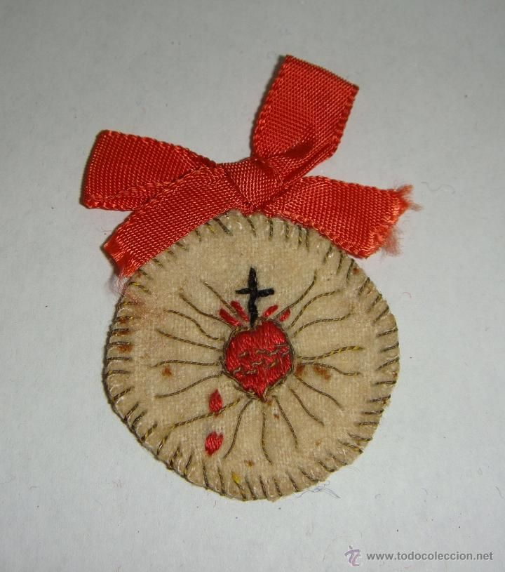 Antiguo Escapulario O Detente Sagrado Corazón De Jesús Bordado A Mano 55 Cm Corazones Bordados Manualidades Artesanías Católicas