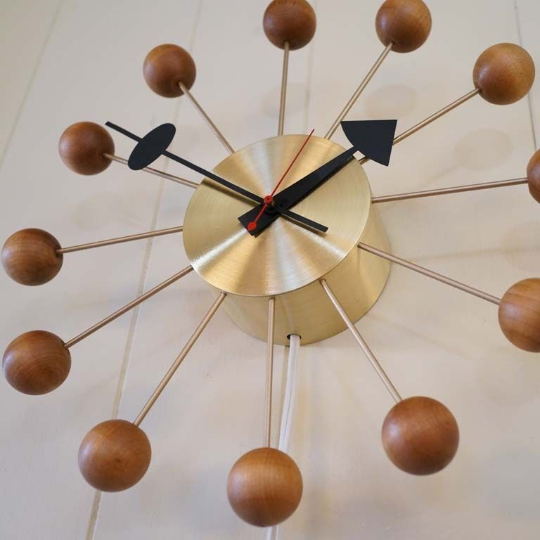 VINTAGE ATOMIC EAMES ERA STARBURST GEORGE NELSON HOWARD MILLER BALL WALL CLOCK