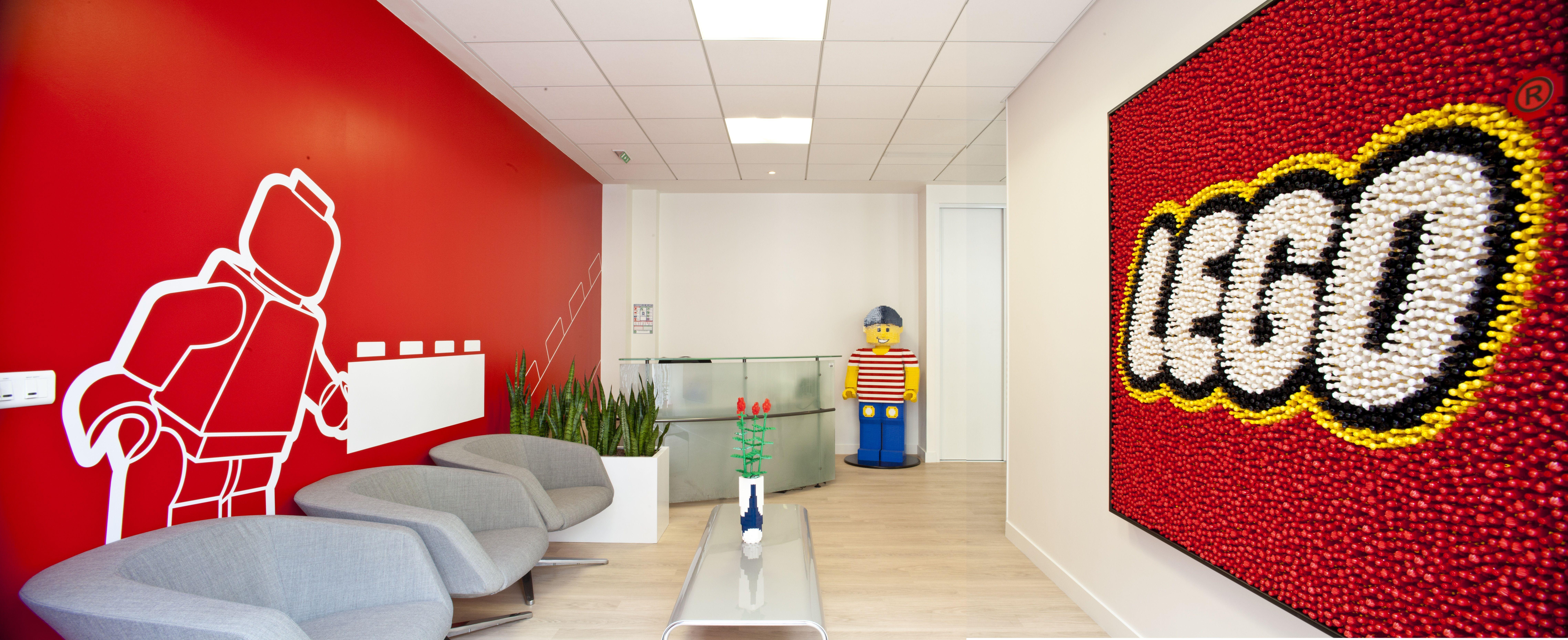 Epingle Par Tim Xie Sur Interiores En 2020 Lego Vitrophanie Accueil