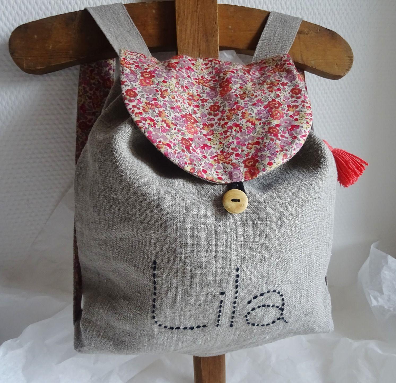 0e652ce9bf9f Petit sac à dos enfant en lin et liberty Emma   Georgina rose  personnalisable   Sacs enfants par atelierpompon