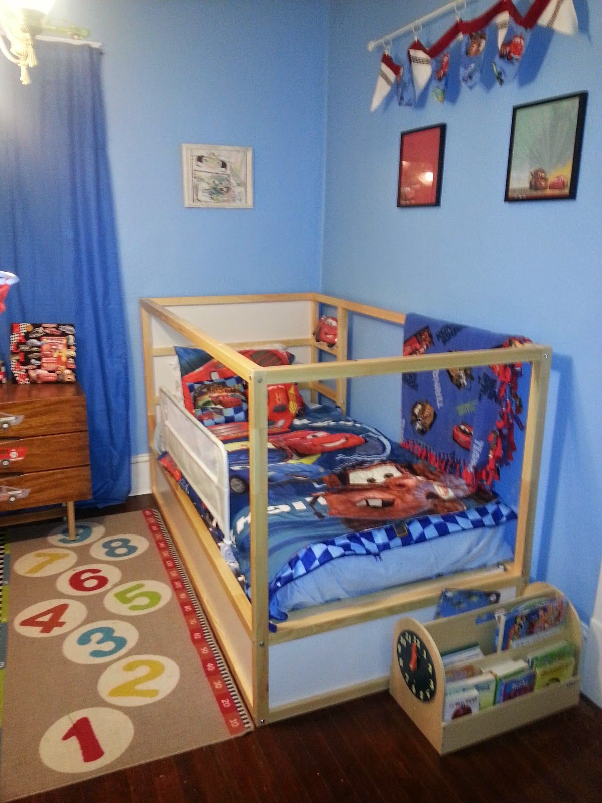 Kura loft bed ideas  like this with ladder against the wall except maybe mattress on the