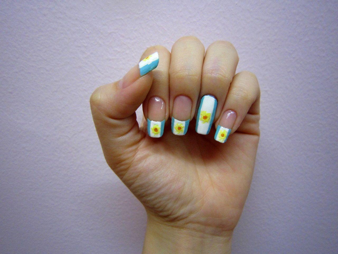 Uñas decoradas con la Bandera Argentina o sus colores   Decoración ...