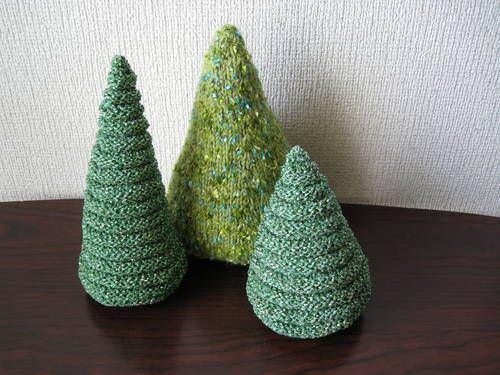 Knitted Christmas Trees   KNITTING