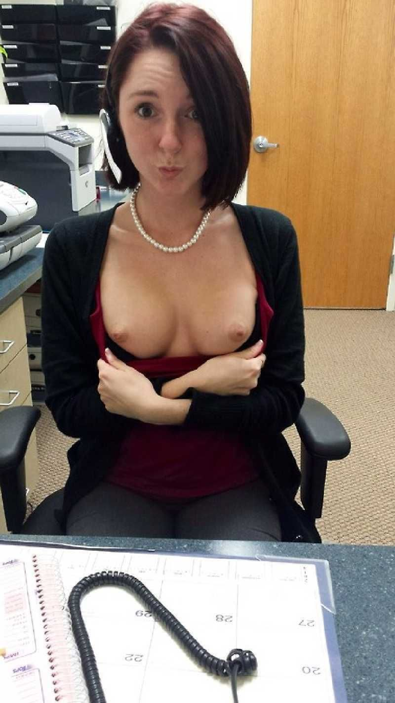 college-girls-flash-nice-boobs-tits-pic