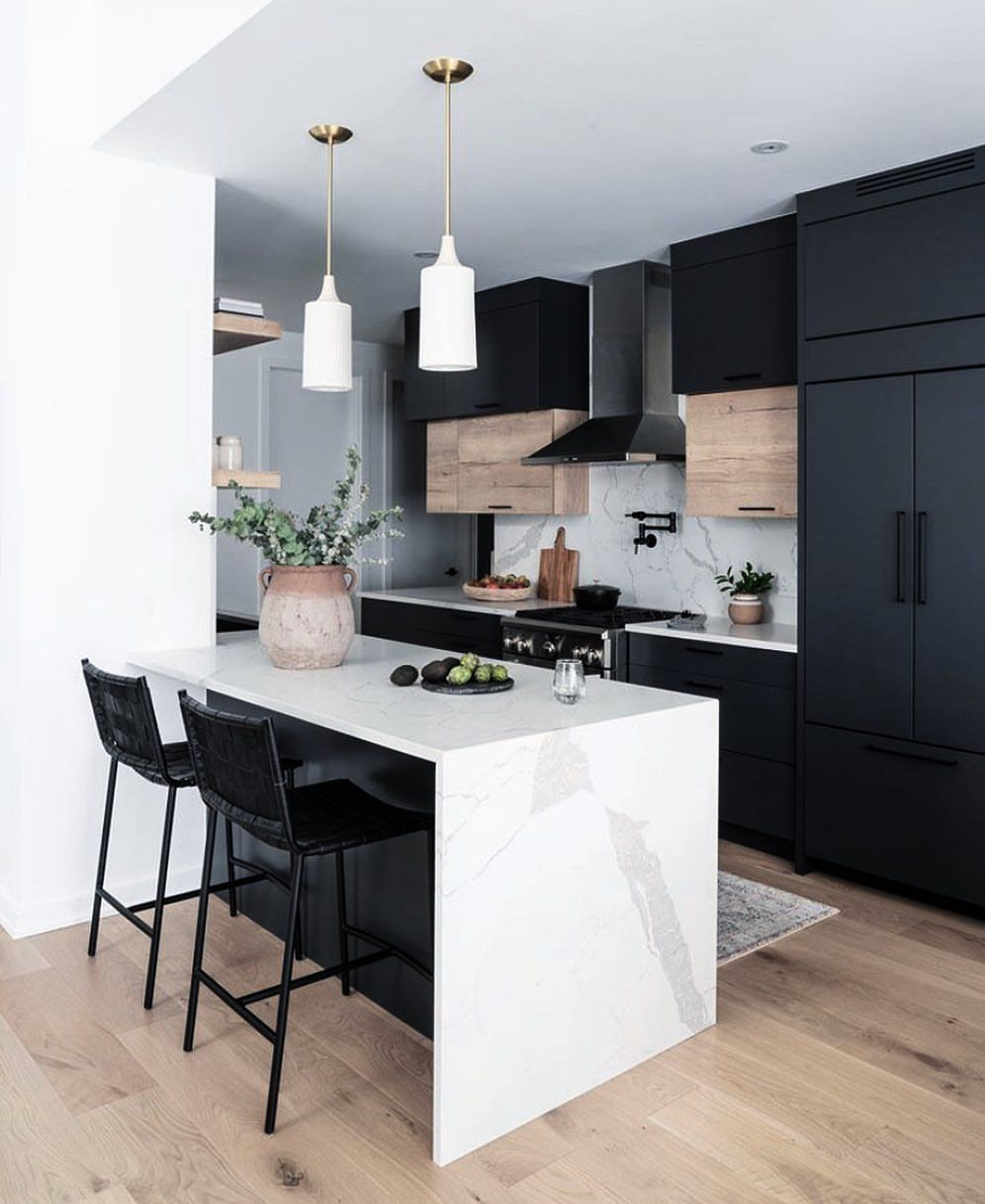 Modern Minimalisthome Design: Loving The Backsplash And Pot Filler Above The Stove