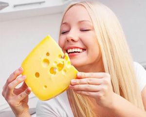 Snack on cheese instead of fruits for healthy #teeth #healthCare #Newspanda
