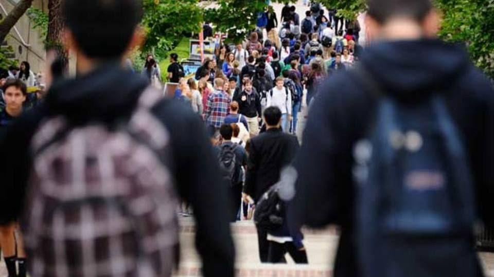 O que todo jovem deve fazer, segundo ex-reitora de Stanford