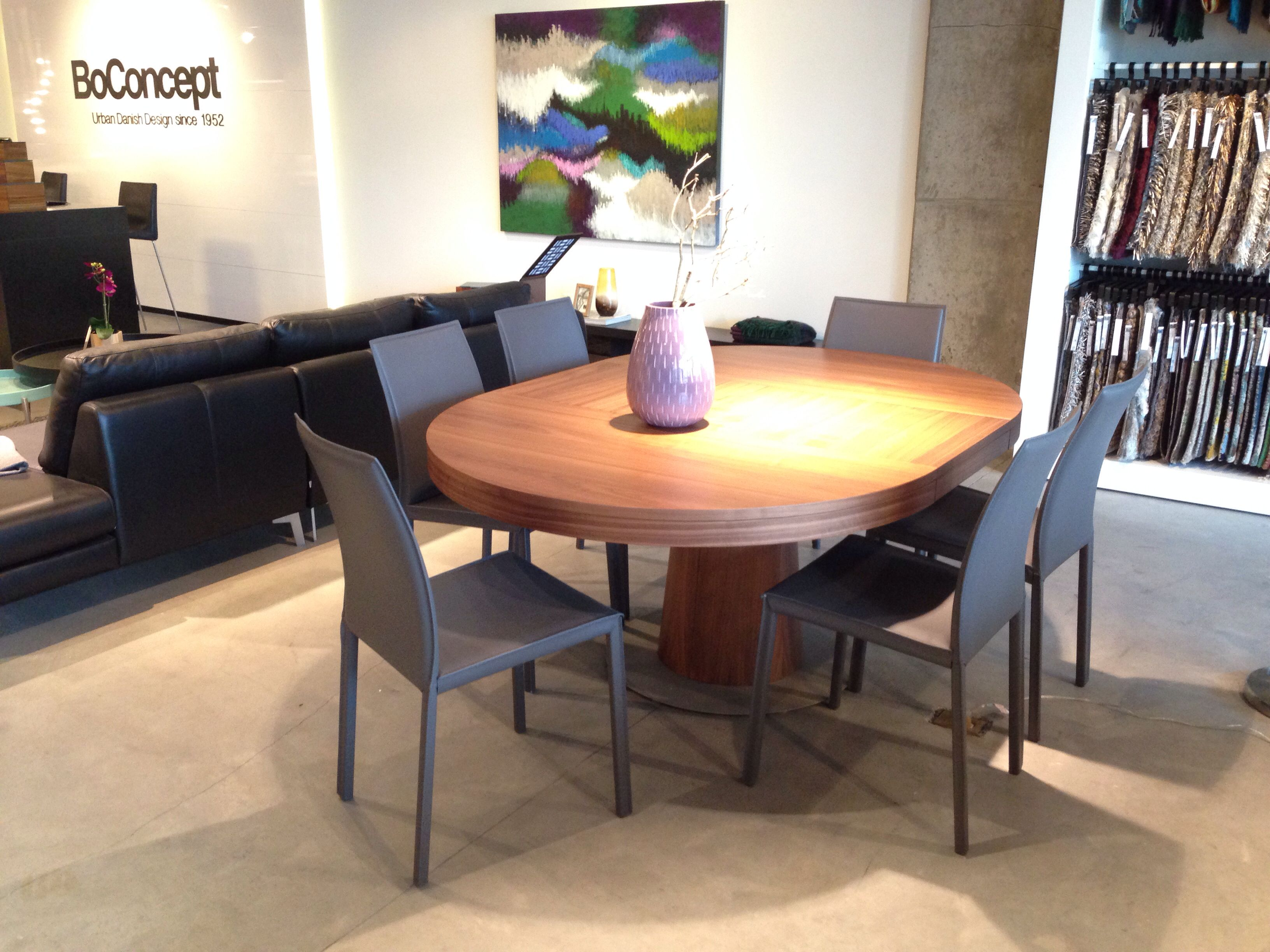 BoConcept Granada expanding round dining table Design Dining