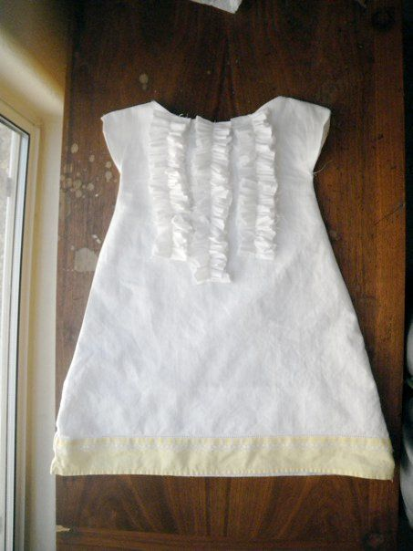 **love this dress and the ruffles. Any color** Triple Ruffled pillowcase dress tutorial made from actual pillowcase & cute dress made from a pillowcase. | sewing | Pinterest | Get ... pillowsntoast.com
