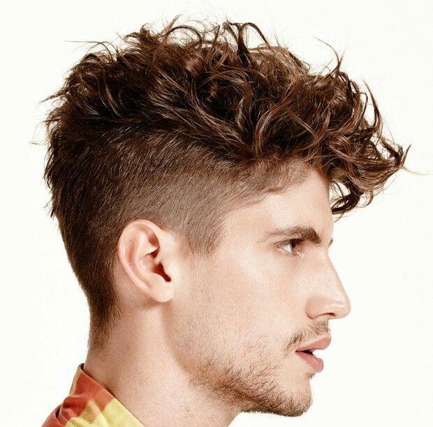 Peinados para pelo rizado para hombre