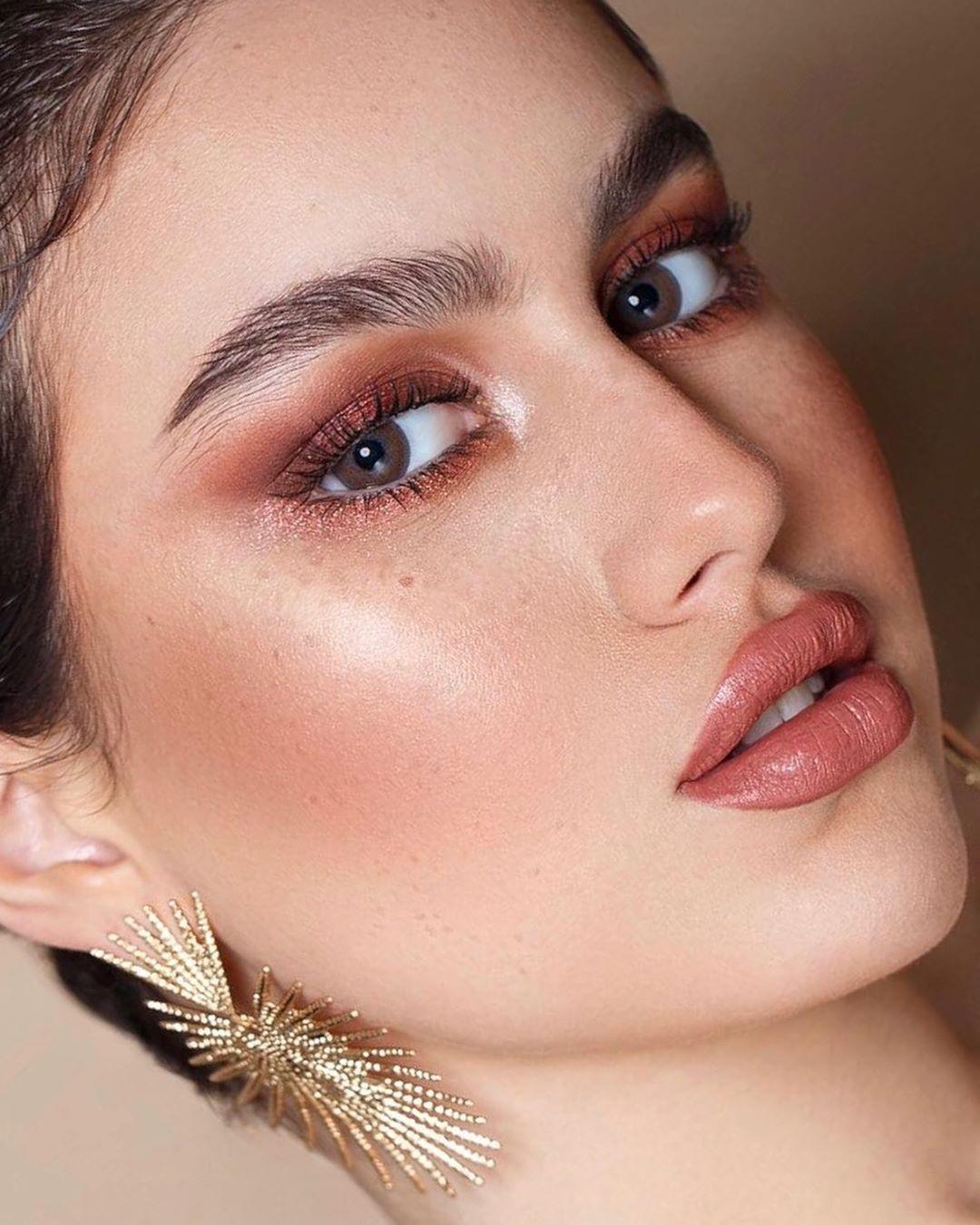 Enas Mansoor Pro Mua N Ksa On Instagram احبكم وحدة وحدة مرة تحمسوا اني انزل لوكات جديدة و افكار جديدة ممتنة لكم Nose Ring Septum Ring Makeup