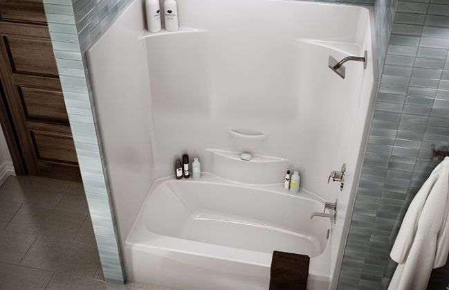 tub one piece w/ tiles | Decor | Pinterest | Tubs, Design trends and ...