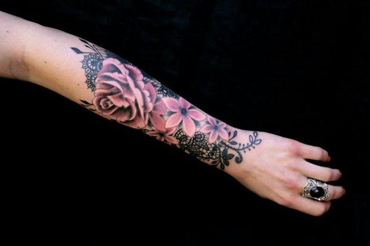 Elementos Florais E Renda Nas Tatuagens Da Francesa Dodie Arm