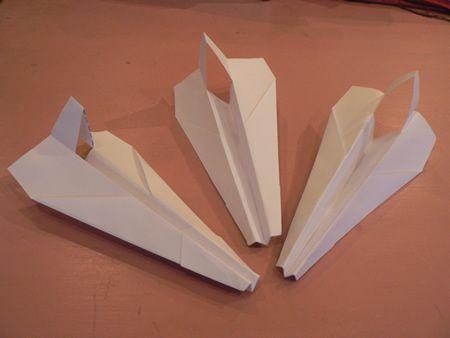 avion en papier pliage en papier origami facile. Black Bedroom Furniture Sets. Home Design Ideas