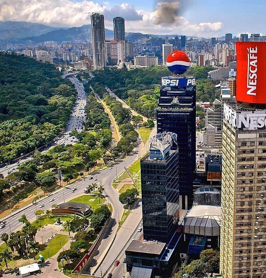 La Patilla On Instagram Una Venezuela Entrañable Quién La Extraña Por Aquí Foto Venezuela Review Lapatilla Qatar Travel Caracas Venezuela