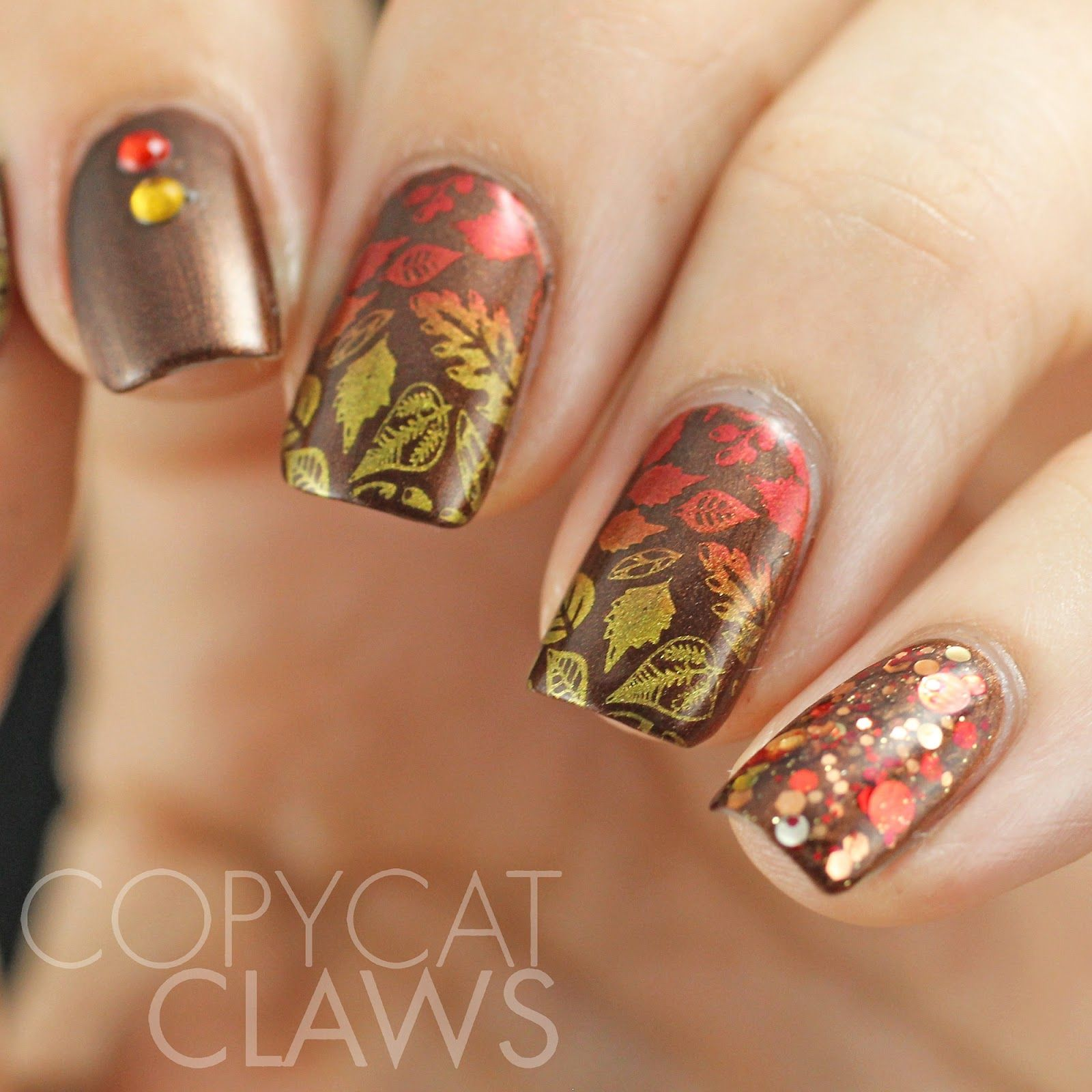 stamping uber chic - Recherche Google Nail art for all seasons! Nail ...