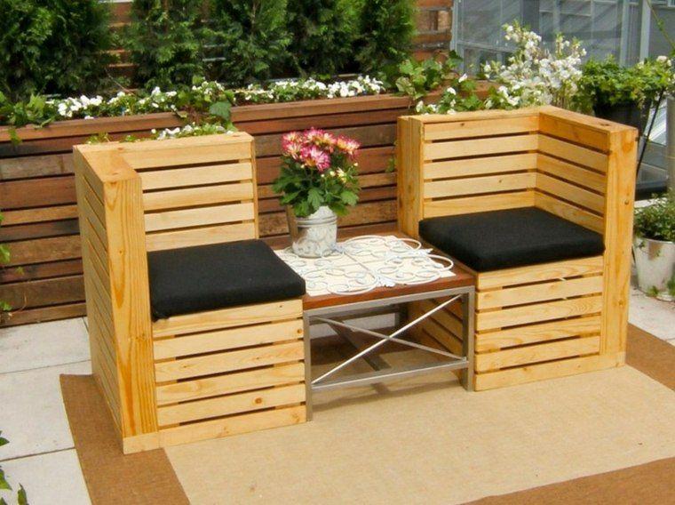 salon de jardin en palette : idée pour petite table et deux ...