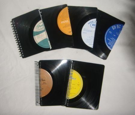 Libretas de vinilo peque as libretas discos vinilo - Manualidades con discos ...
