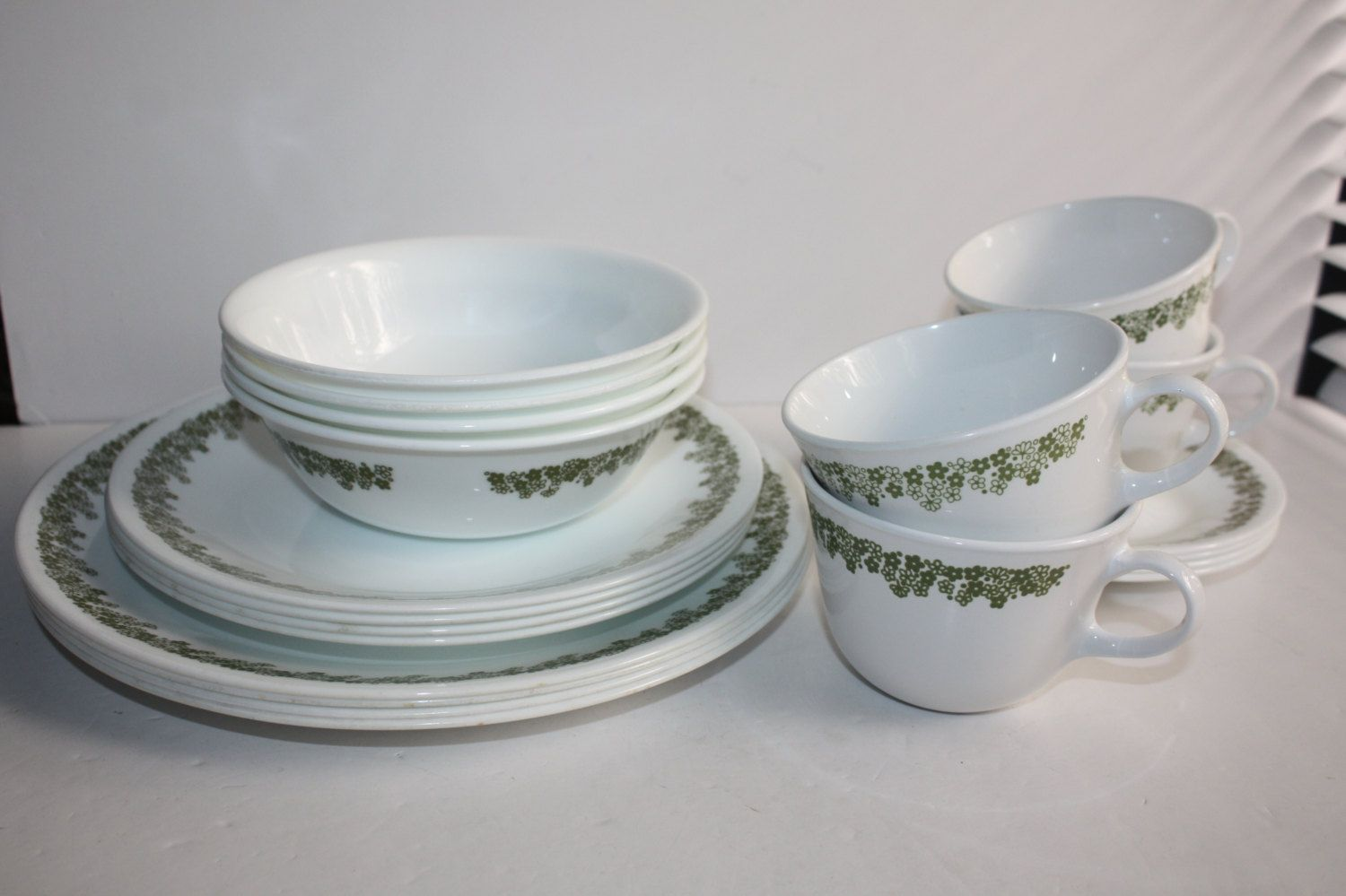 Vintage Corelle Crazy Daisy/Spring Blossom Dish Set Service for 4/Corelle Daisy Dinnerware/1970\u0027s Corelle Dinnerware & Vintage Corelle Crazy Daisy/Spring Blossom Dish Set Service for 4 ...