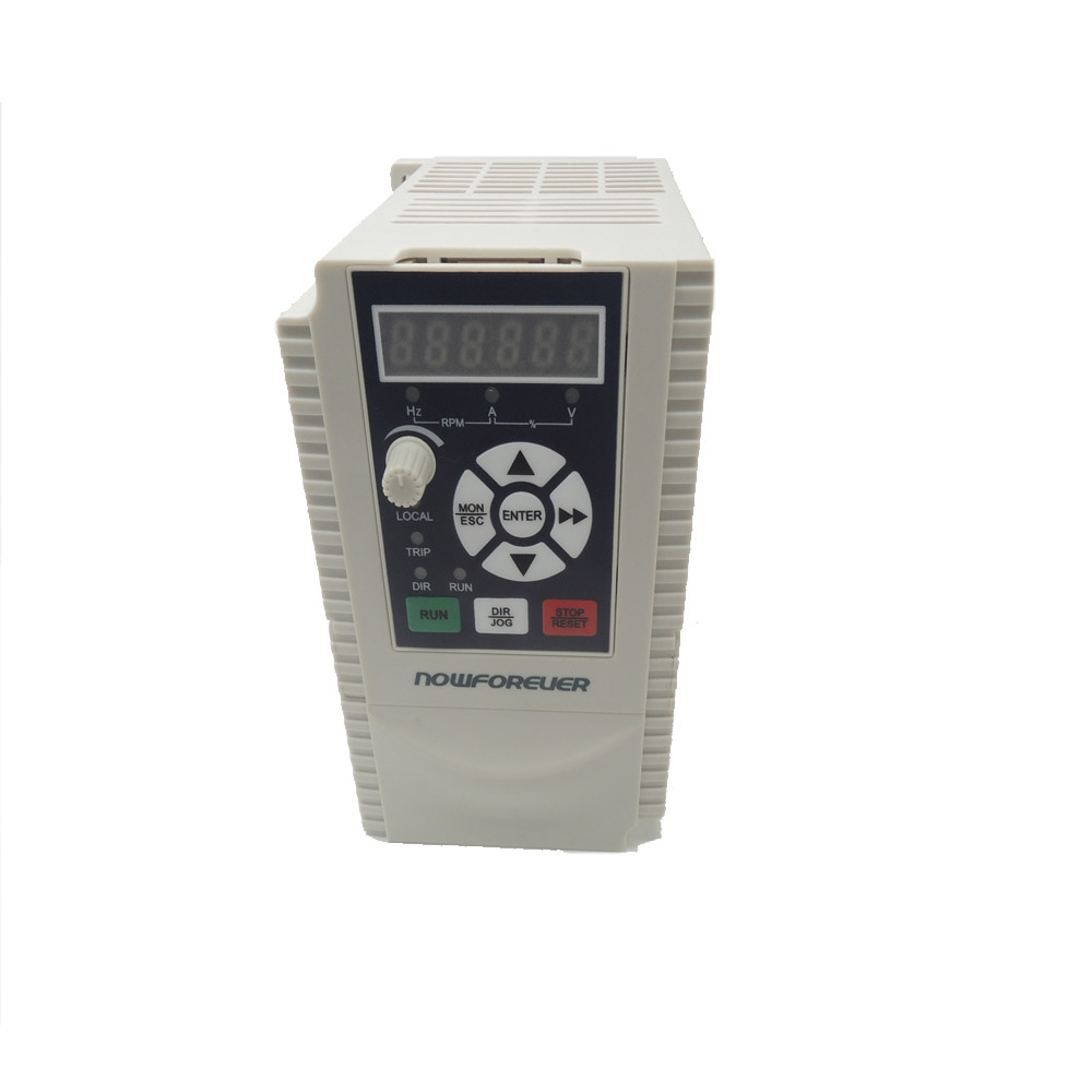 131.72$  Buy here - http://aliq8r.worldwells.pw/go.php?t=32696058967 - High quality  Variable Frequency Drive Inverter CT200-2D2G-2   2.2KW  3PH  220V 10A  inverter