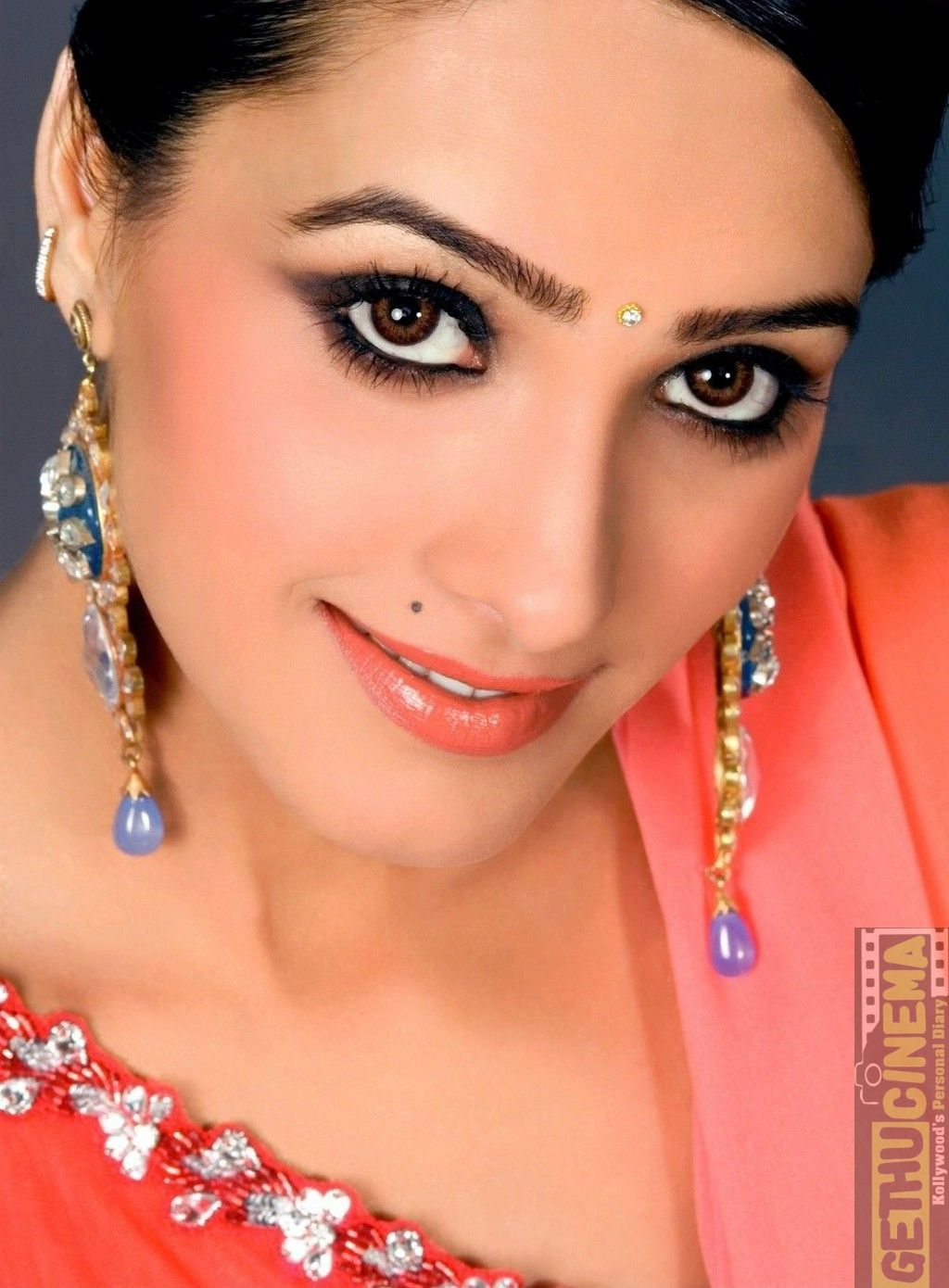 Actress Anita Hassanandani Cute Gallery Gethu Cinema In 2021 Hollywood Actress Pics Hollywood Actress Photos Celebrity Piercings