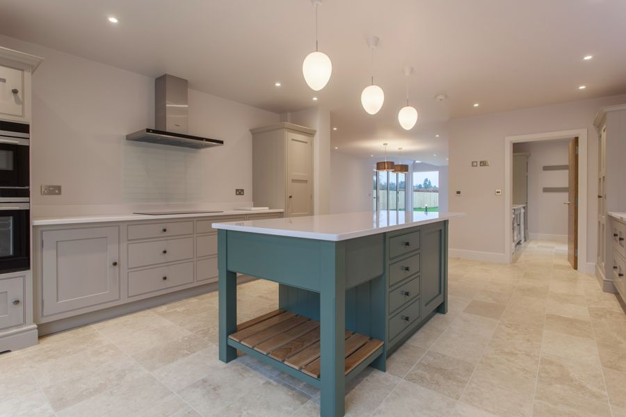 Best Thomas Thomas Hand Built Kitchen Using Farrow And Ball 400 x 300