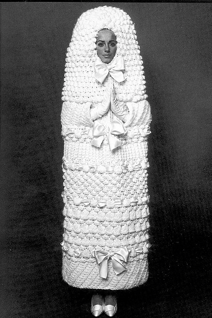 Yves saint laurent 1965 66 wedding dress oh yeahhhhhh for Yves saint laurent wedding dress