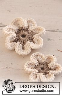 Crochet Drops Flowers In Lin And Muskat Drops Design From Http Www Garnstudio Com Lang Us Crochet Flowers Crochet Flower Patterns Crochet Applique