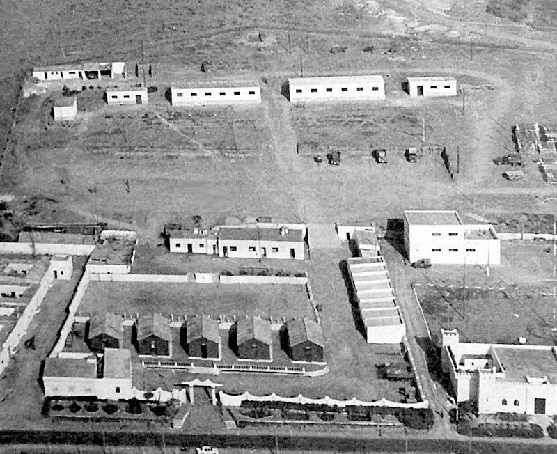 Cuartel de Transmisiones. Abajo a la derecha la Cárcel.